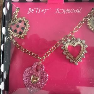 Betsey Johnson Hearts Necklace Gift Boxed Pink....